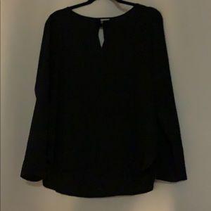 Black key hole blouse